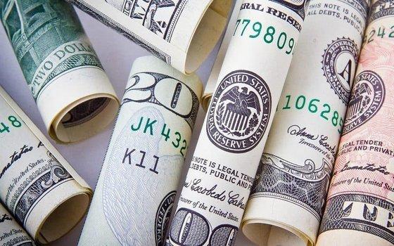 ارز دلار یورو
